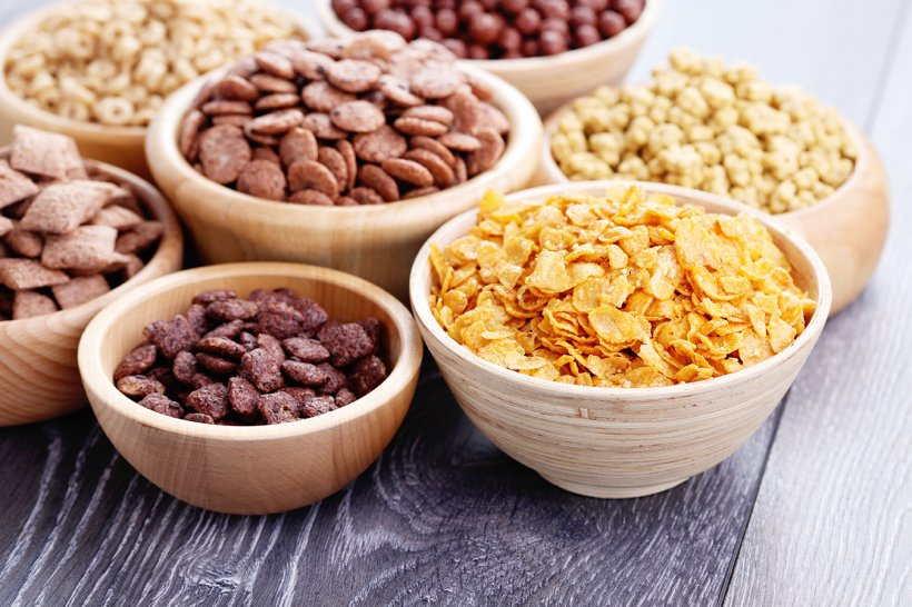 breakfast cereal corn flakes milk